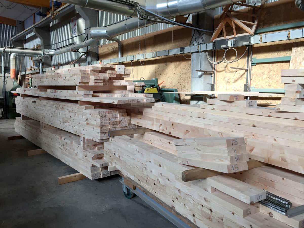 Maison bois kit chalet en kit hautes alpes boulot sarl for Bois construction chalet